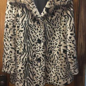 Gallery Women's Leopard Coat